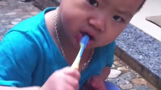Brush your teeth every day, Bean has clean teeth.  - Video