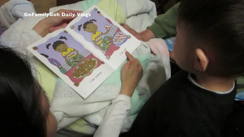 Toddler surprises dad with reading skills