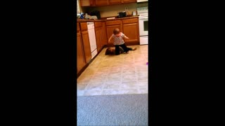 How a toddler deals with her bully - Video