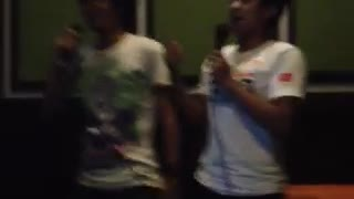 Two hilarious dudes went to the karaoke, see what happened ! - Video