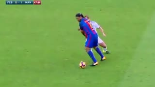 Amazing skill by ronaldinho - Video