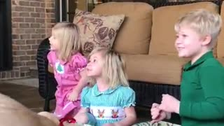 Kids have heartwarming response to new puppy surprise - Video