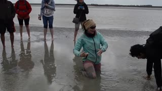 Insane Girl Knows How To escape quicksand