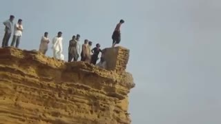 Karachi boys Jumping for swimming from Very High place called Paradise point  - Video