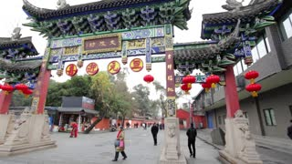 Chengdu, What to do? You MUST visit Wenshuyuan Temple! | Epic Buddhist Temple - Video