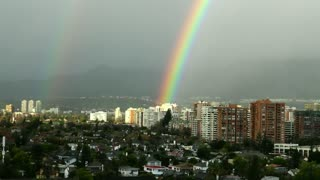 Giant rainbow in Santiago, Chile - Video