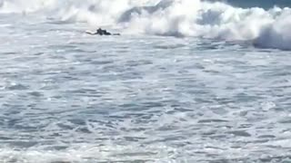 Surfer gets wiped out by huge wave - Video
