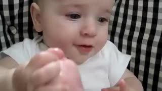 Kid Eats His Foot [ ORIGINAL ] - Video