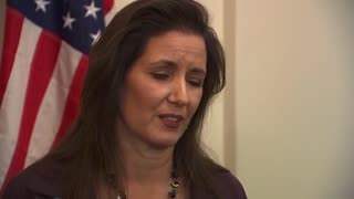 Oakland Mayor Libby Schaaf blasts ICE raids - Video