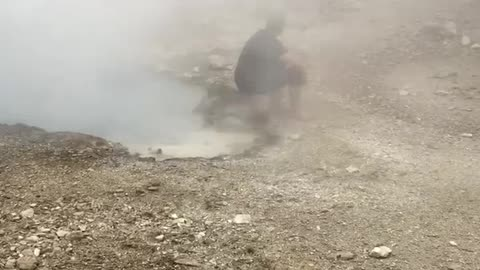 Man Illegally Washes Feet in Historic Geyser