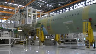 Chinese firms to buy 300 Boeing jets - Video