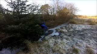 Blue suit guy falls through ice - Video