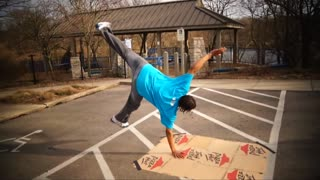 Average man battles pro breakdancer, who wins? - Video