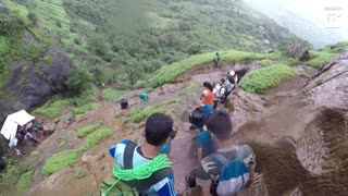 Man Conquers Dangerously Steep Trekking Steps In India - Video