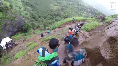 Man Conquers Dangerously Steep Trekking Steps In India