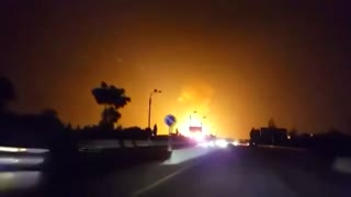 Tashkent pipeline blast lights up night sky - Video