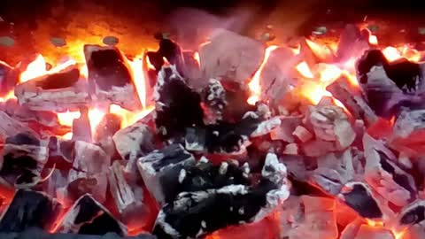 Realtime Fireplace - Relaxing Fire Burning Video