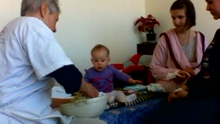 3 months old baby making cake - Video