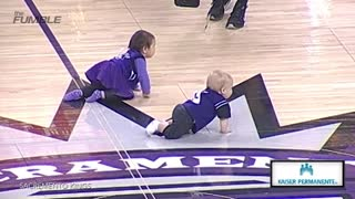 Baby Falls Asleep During Kings' Baby Race - Video