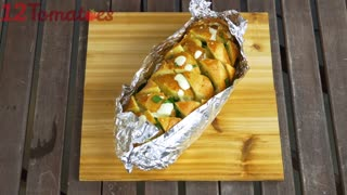 "Mouthwatering ""cheesy pull-apart bread"" recipe"