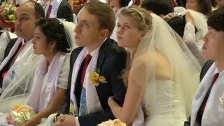 Mass wedding in South Korea - Video