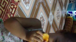 Tep & Mit eat mango - Video