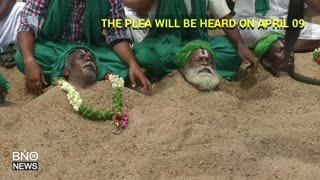 Indian Farmers Bury Themselves in Sand Over River Water Dispute - Video