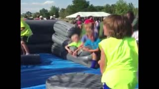 Boy fails at obstacle course - Video