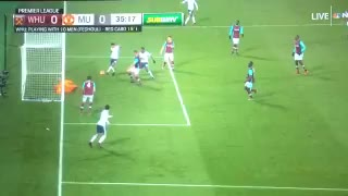 Antonio Valencia And Jesse Lingard Comically Missed Chances vs West Ham! - Video
