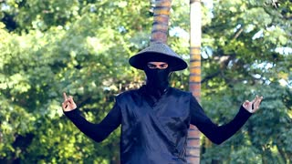 Dance Ninja illustrates new 'tutting' craze