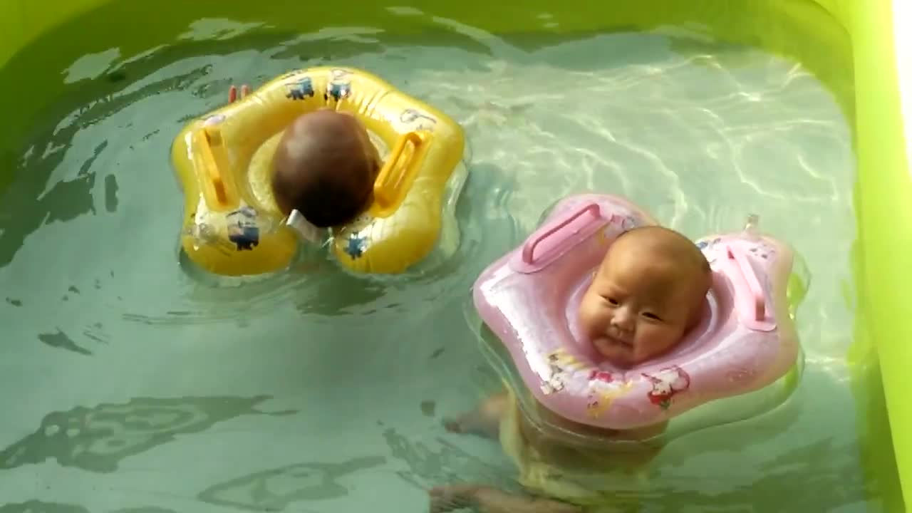 2 Month Old Twin Babies Enjoy Pool Time Rumble