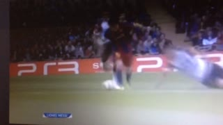Leo Messi humilla a Vidic - Video