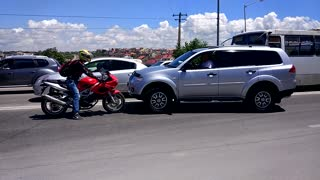 Russian Road Rage Stand Off - Video
