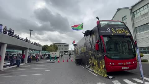 An open bus to celebrate October as the Month of Hope