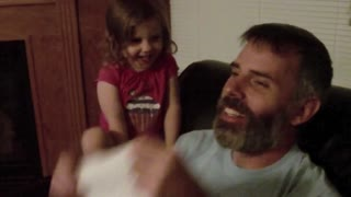 Little Girl Sees Dad Without Beard For The First Time - Video