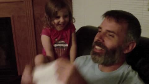 Little Girl Sees Dad Without Beard For The First Time