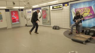 Man Dances In London Underground - Video