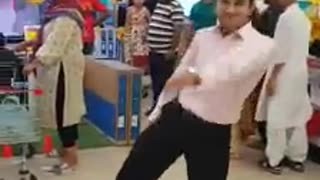 Boy is dancing in pakistan, must watch end of this video  - Video
