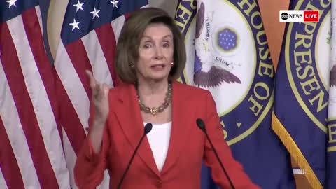 Pelosi Throws Tantrum In Front of Reporters, Waves Finger and Shouts About Impeachment Rules
