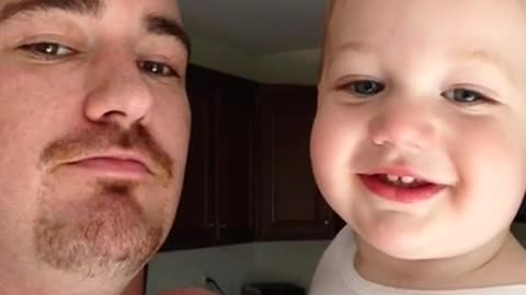 Dad teaches baby boy how to beatbox