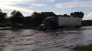 Crazy Amarillo Flooding - Stalled Cars & Firefighters - Video