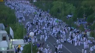 Haj pilgrims pray for peace in Muslim nations torn by war - Video