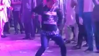 Best dance steps by lahori boy  - Video