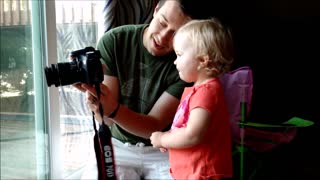 Toddler photographer - Video