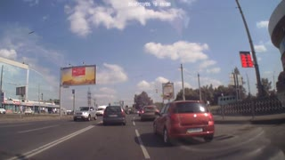 That Escalated Quickly... Road Rage at a Red Light - Video