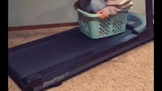 Daredevil keeps riding treadmill on faster and faster speeds