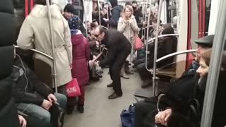 Petersburg fashion in the subway - Video