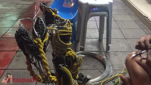 Selling Robots Made From Metal Wire