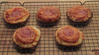 Mini Grilled Cheese Pizzas - Video