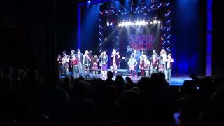 Teenage actor astonishes crowd with Jimi Hendrix tribute - Video